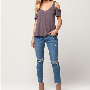 🎉4 for $30🎉 O'Neill Shoulder Cut Out